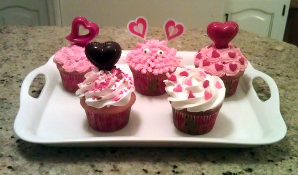 emilie-cupcake-tray.jpg 600×352 pixels