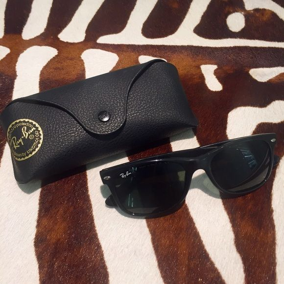 Classic Ray-Bans Classic black pair. Gently used condition. Minor wear, as pictured in last photo on frame in front. Not polarized. Ray-Ban Accessories Sunglasses