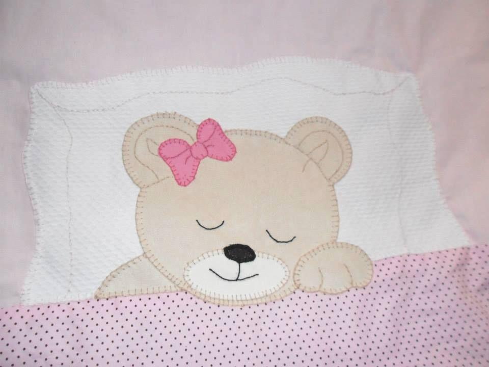 Orsetto che dorme idea carina per un porta pigiama nostro