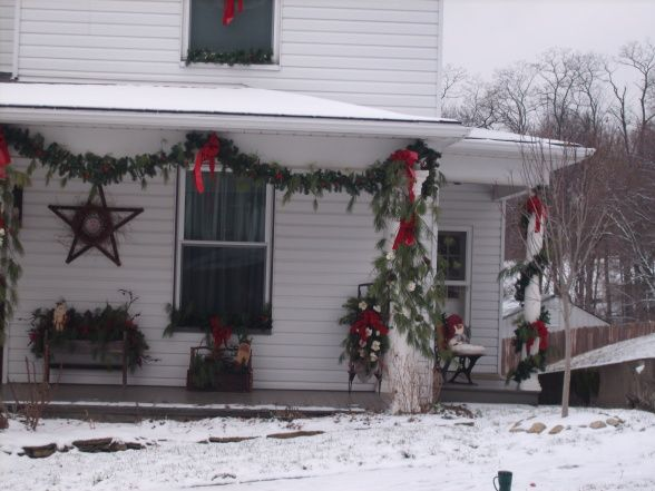christmas porch decorating pillars with no porch railings - Christmas Porch Railing Decorations