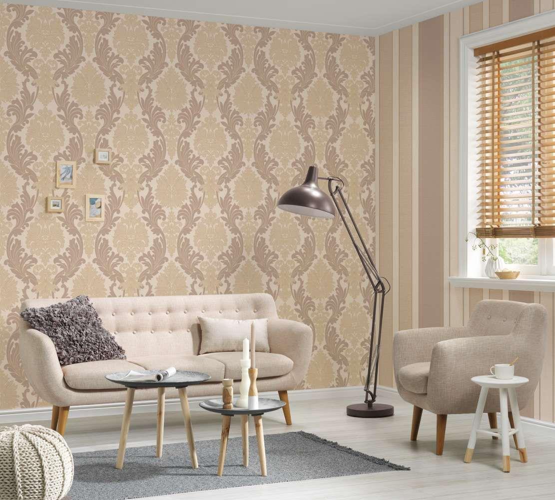 Barockes Design In Beige Taupe Tapete Beige Tapeten Wohnzimmerwand
