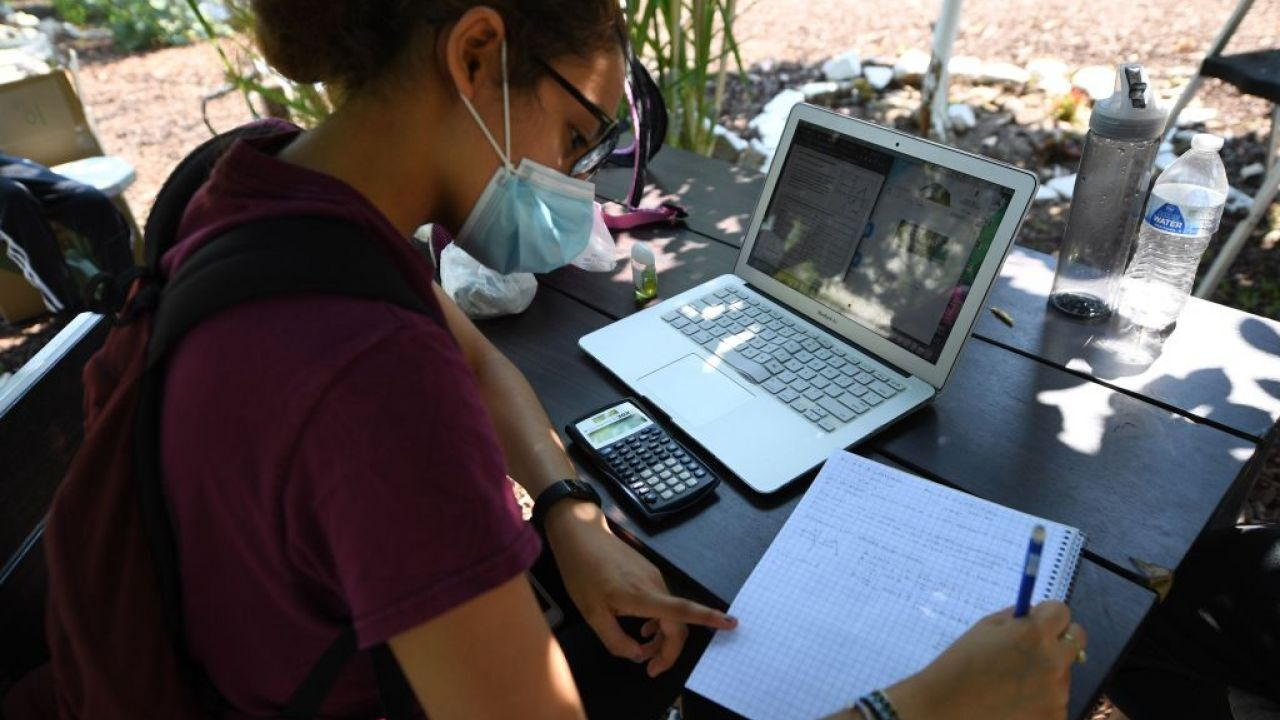 Dmv schools prepare for virtual learning some college