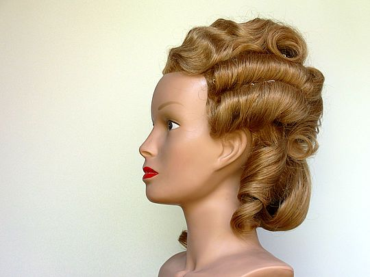 Buste Virtuel De Coiffure Historique Louis Xvi 1779 Sans Ornement Doll Hair Hair Styles Hair Makeup