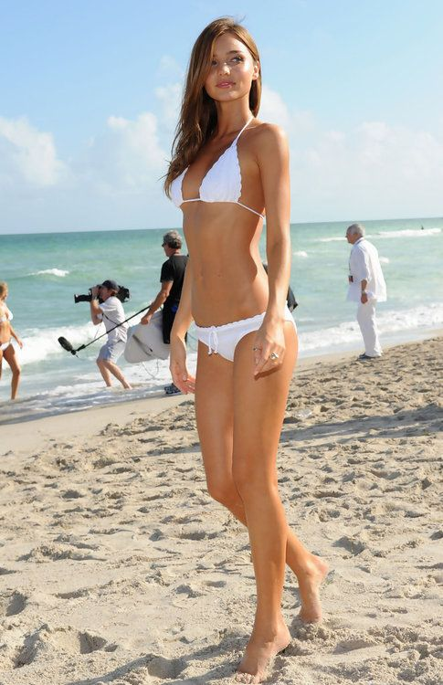 Girl looks like katara topless