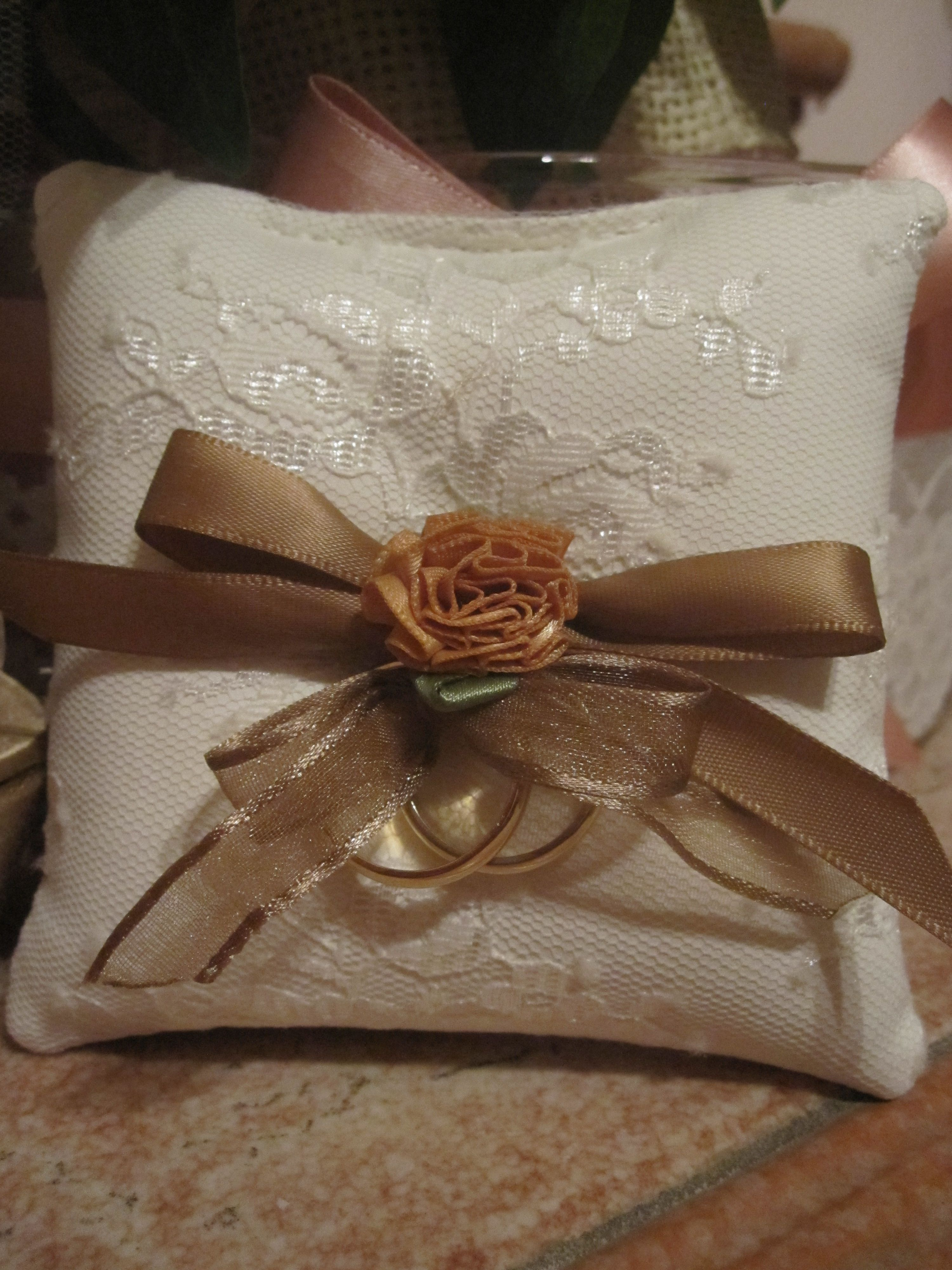 μαξιλαράκι για βέρες γάμου