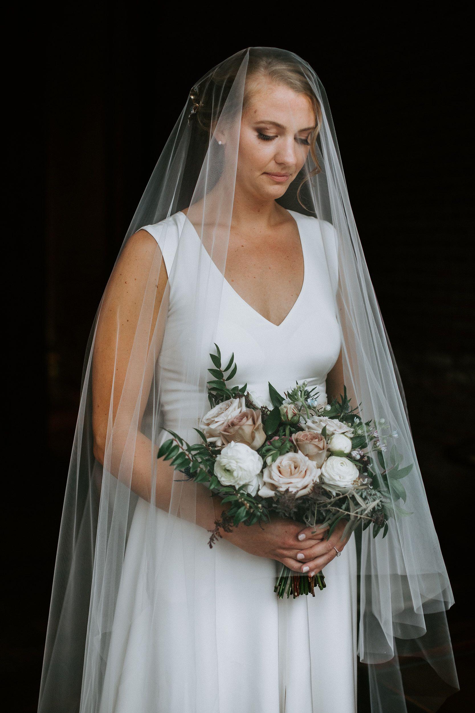 The modern bride Bride beauty, Bridal portraits, Beauty