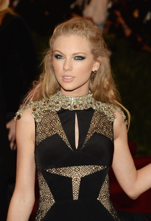 ♥ taylor swift attends the costume institute gala   Taylor ...