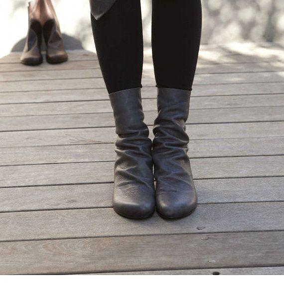 Gray boots / Winter Schuhe für sie / von WalkByAnatDahari auf Etsy
