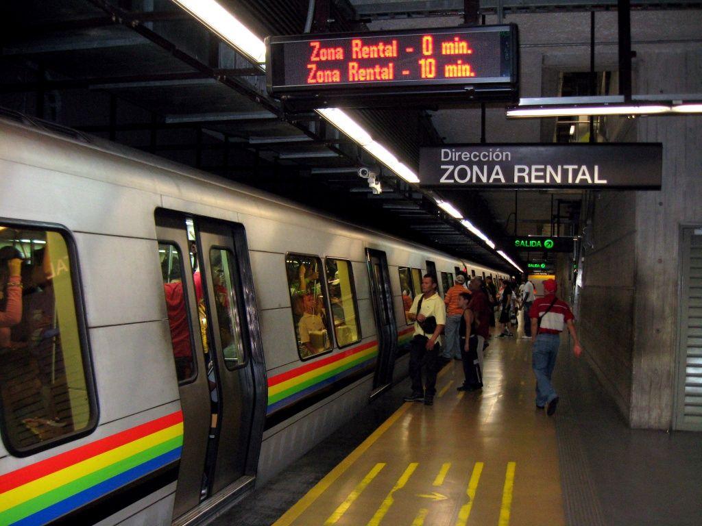 Metro de Caracas - Planificado, diseñado y construido en un 95% por la democracia puntofijista, entre 1958 y 1998.