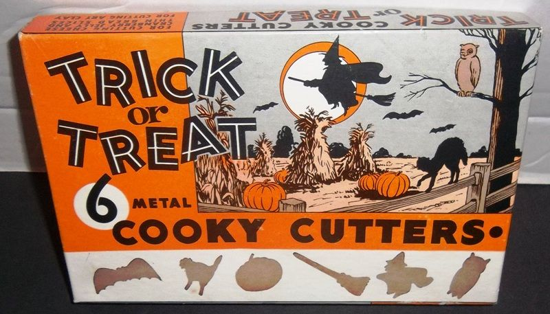Vtg Halloween 6 Trick Or Treat Metal COOKIE CUTTERS Box Witch Owl Bat Broom Cat