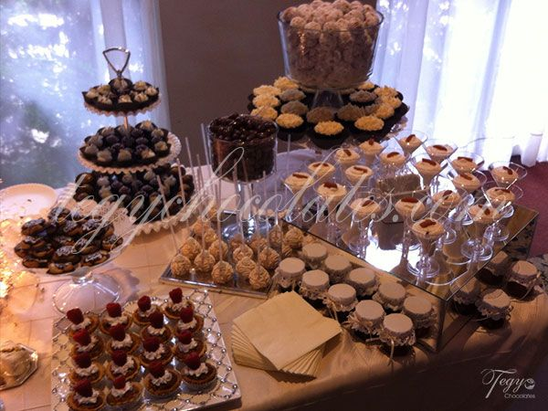 mesa de postres para boda despedida baby shower aniversarios