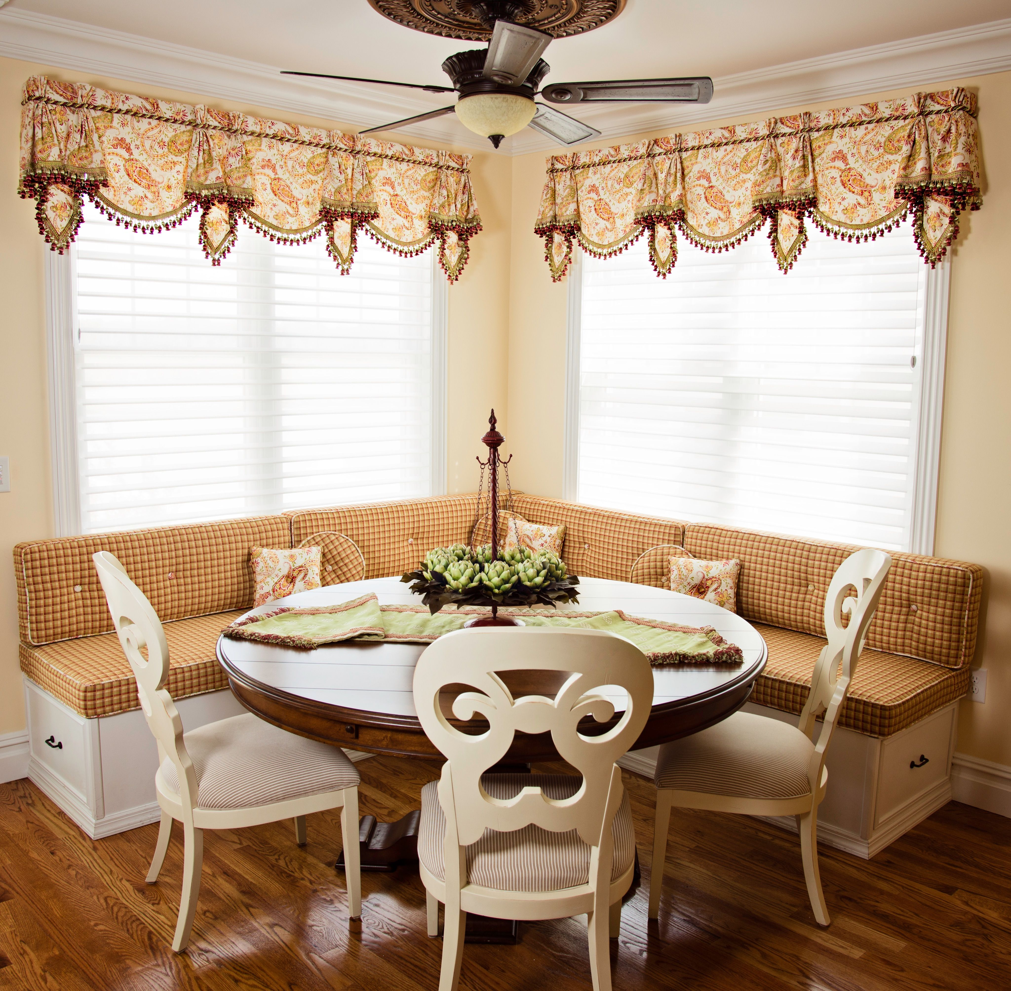 The window treatments here allow for there to be a connection in
