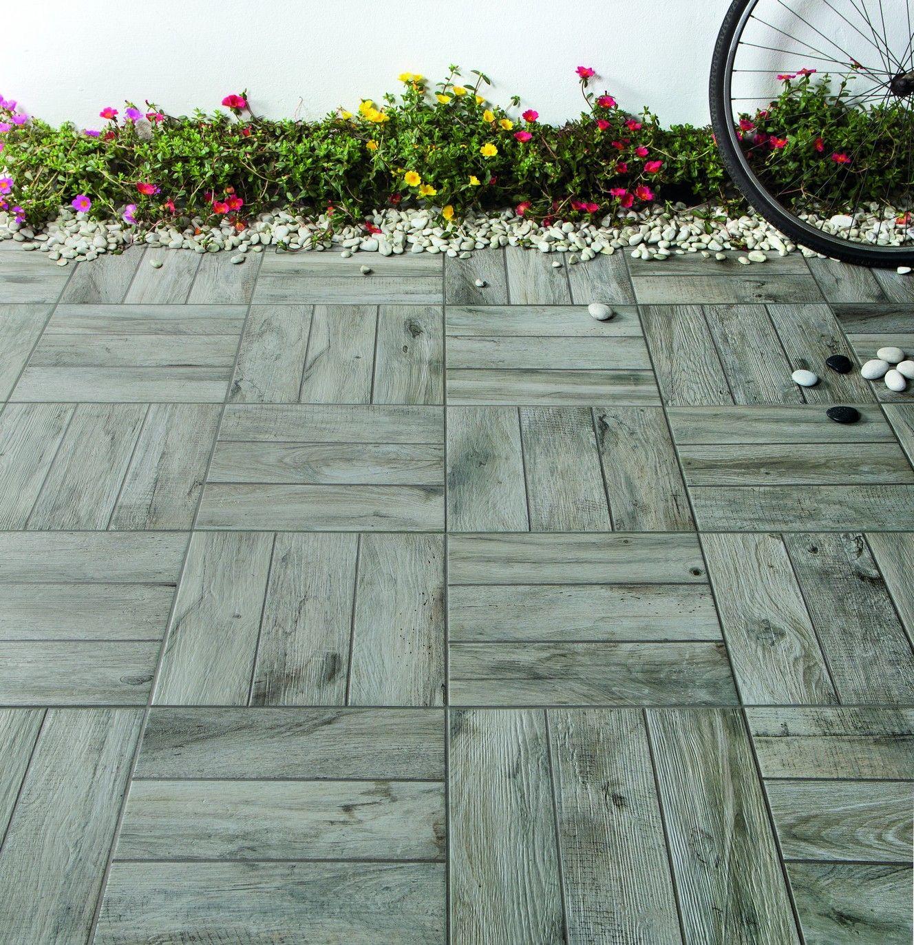 Pavimento esterno piana grigio 34x34x0 9 cm pei 5 r11 gres for Pavimento da esterno ikea