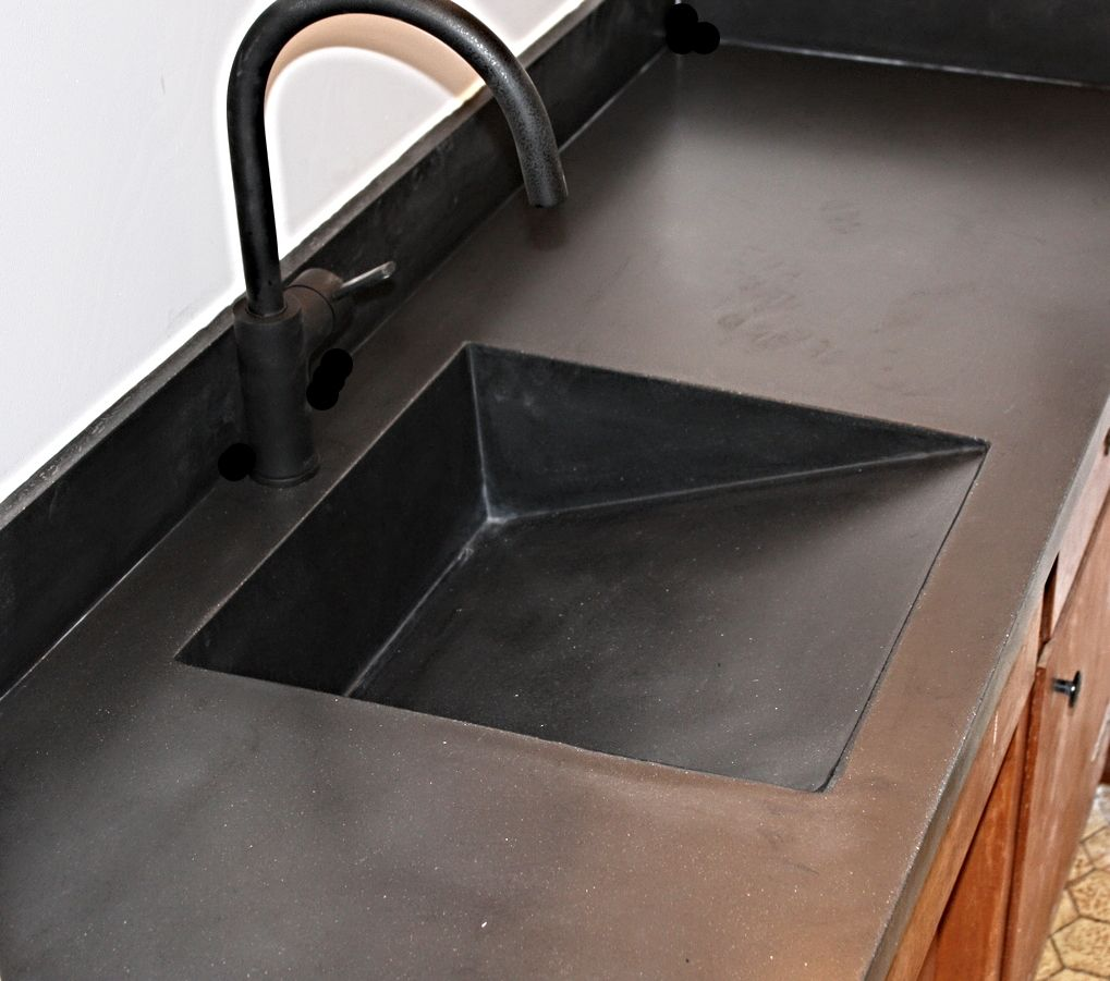 Carbon Black Ramp Sink