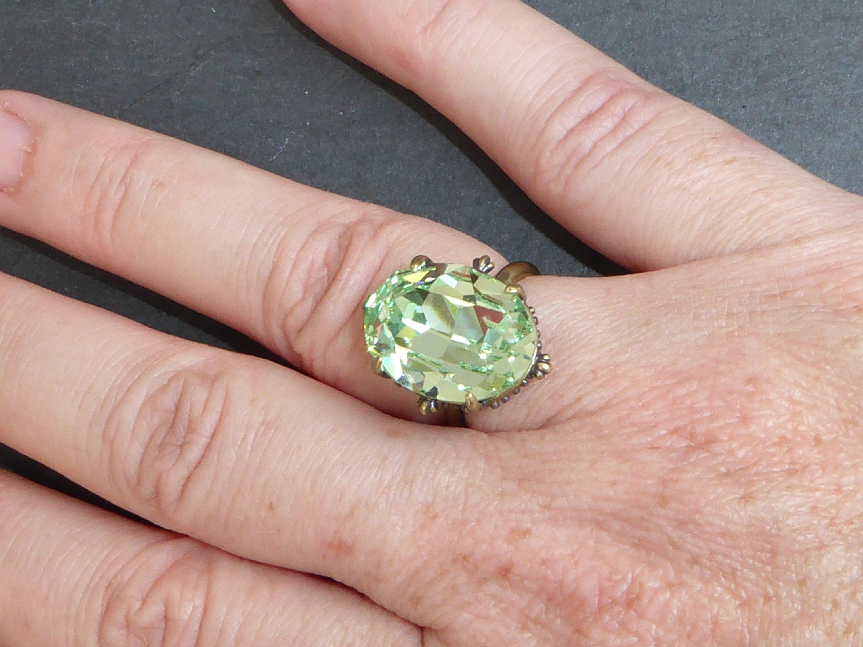 Bague verte cristal Swarovski chrysolite bague solitaire | Etsy ...