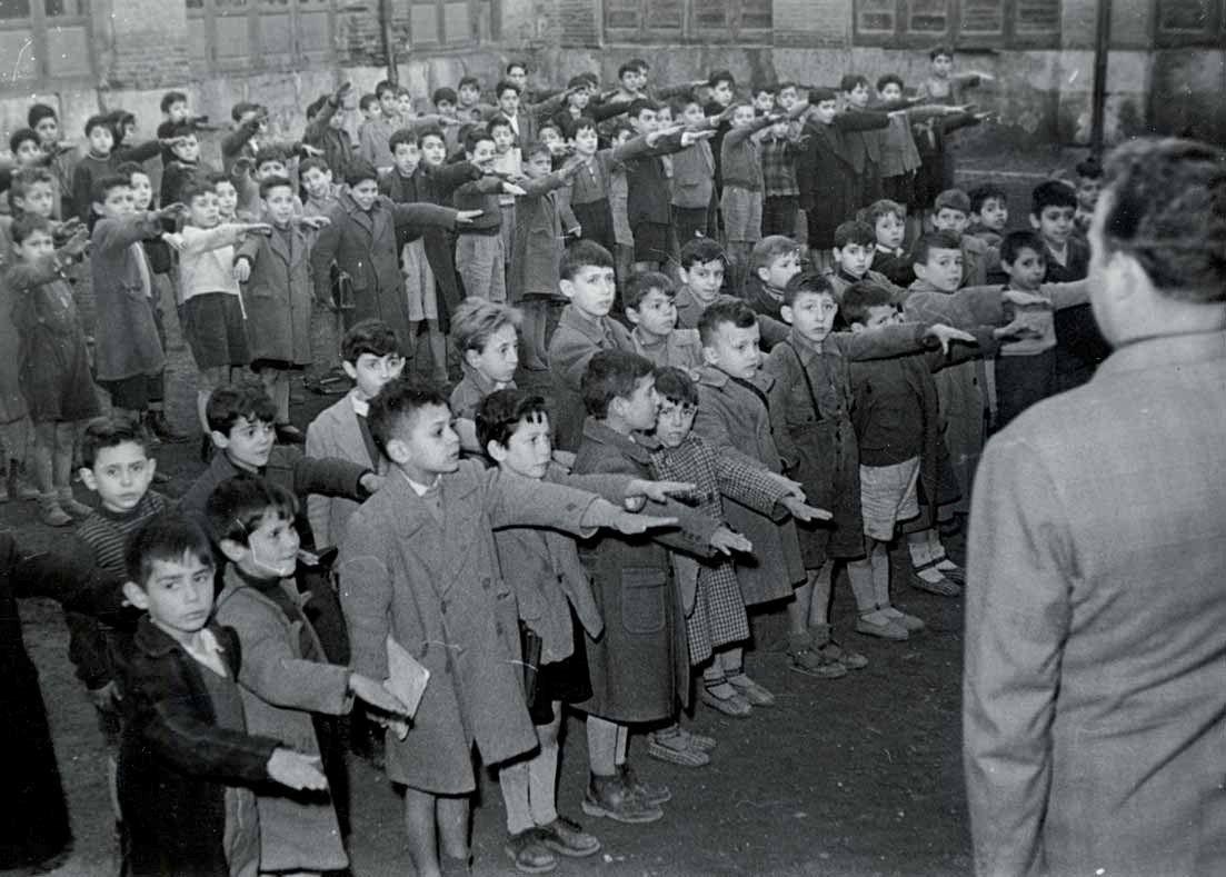 España en las escuelas. Palencia, 7-12  de febrero de 1955. Fondo de la Jefatura Provincial del  Movimiento. Archivo Histórico Provincial de Palencia