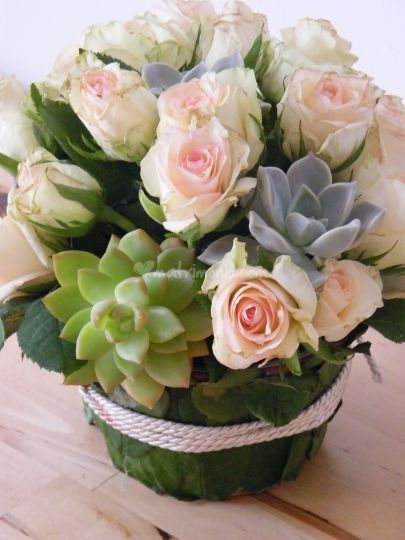 Centrotavola con piante grasse comunione pinterest - Piante grasse con fiori ...