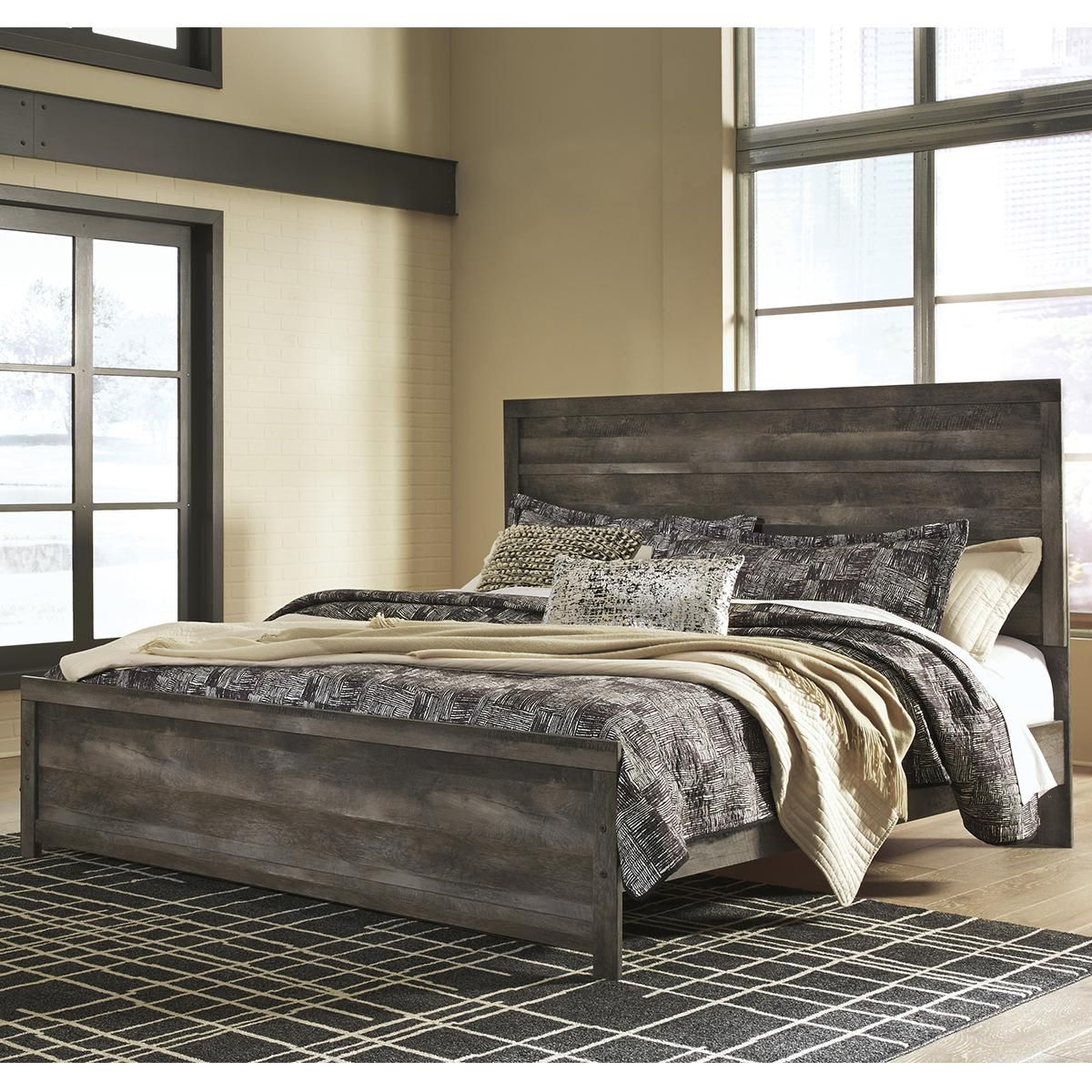 Signature Design by Ashley Wynnlow King Panel Bed in Gray