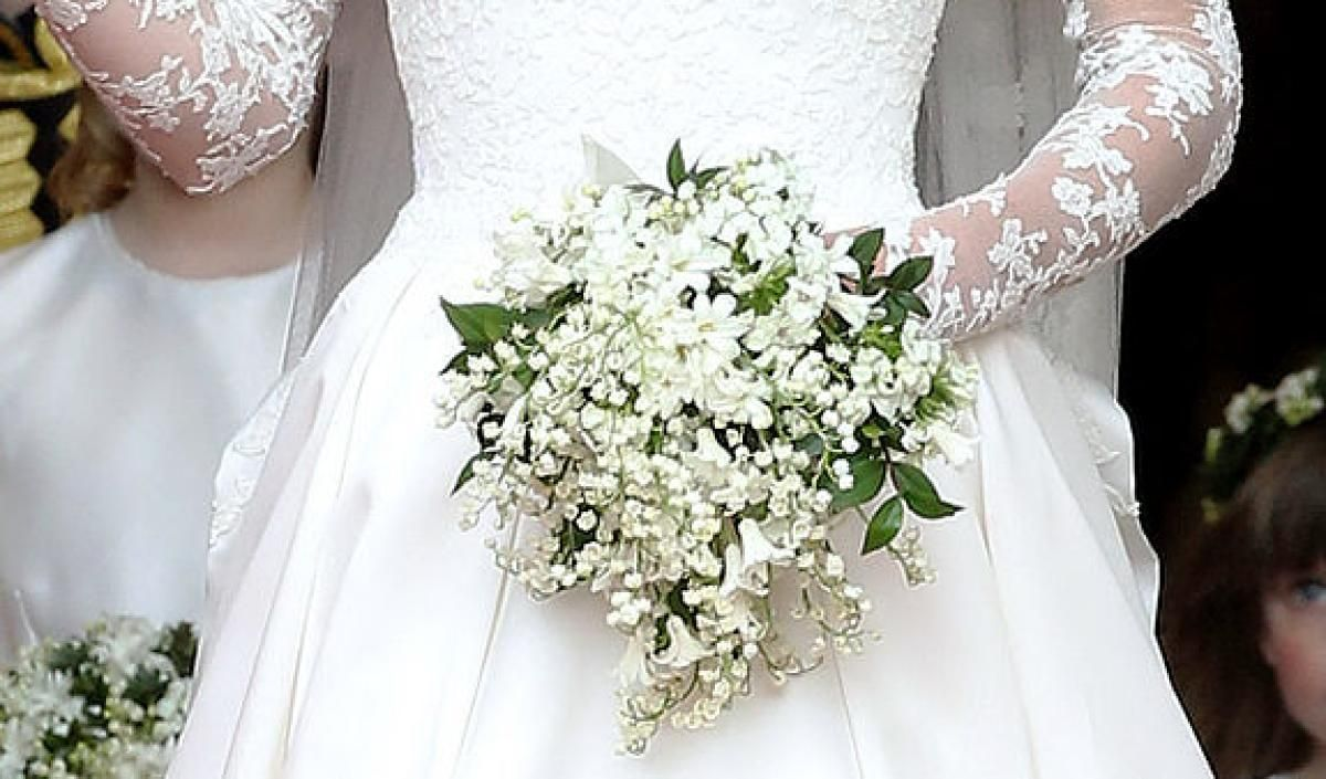 Kate Middleton S Wedding Dress Story With Images Kate
