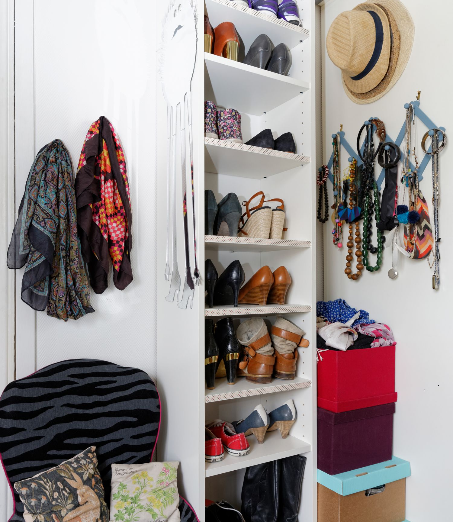 chaussures dans billy troite id es rangement ikea. Black Bedroom Furniture Sets. Home Design Ideas
