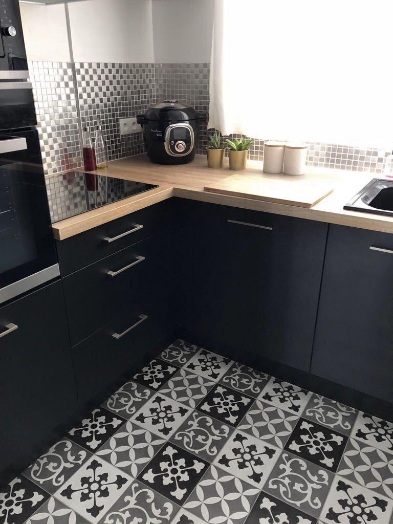 zoom sur ma cuisine industrielle noire loft cuisine. Black Bedroom Furniture Sets. Home Design Ideas