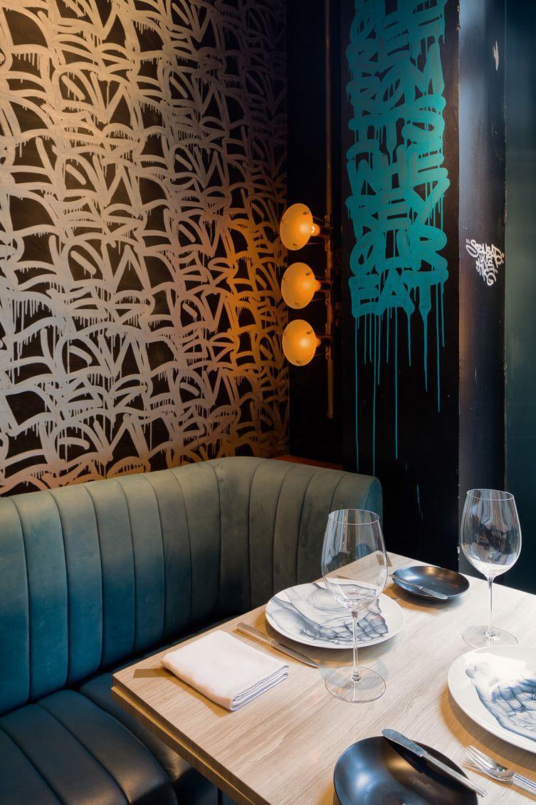 Stellar street art complementing french cuisine in hong for Interior designer famosi