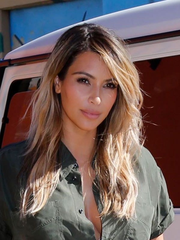 Kim Kardashian39s Gorgeous Blonde Hair Amp Tan Skin How To Kardashian Color