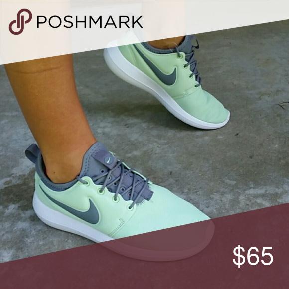 a999b3146c ... discount nwt nike womens roshe two sneaker mint green nike womens roshe  two sneaker size ade6f