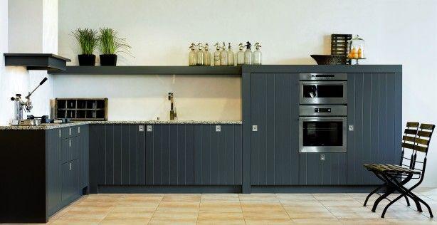 Verlichting Boven Aanrechtblad : Stoere keuken met mooie plank boven het aanrecht keuken ideeën