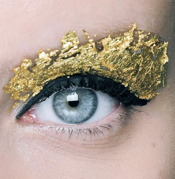 Try A Gold Leaf Eyeshadow Gold Leaf Makeup Beauty Shoot