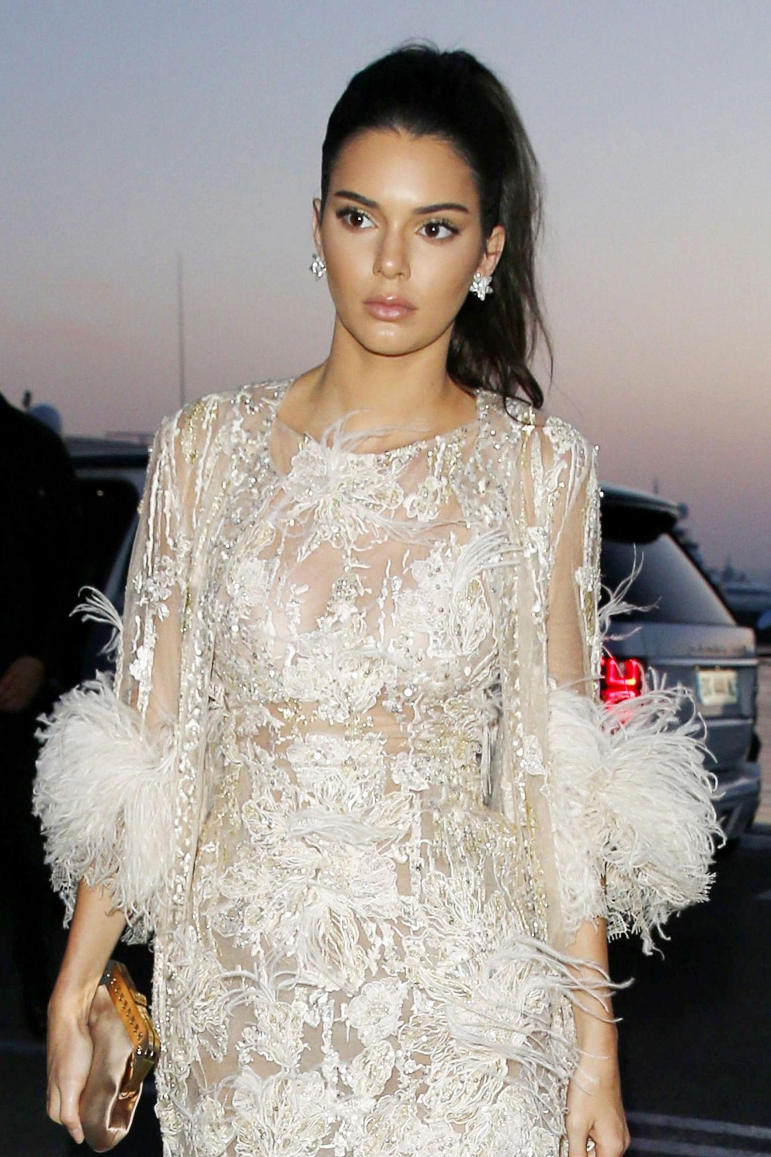 How The Red Carpet Ponytail Became Cannes S Breakout Beauty Trend Red Carpet Ponytail Kendall Jenner Red Carpet Hair