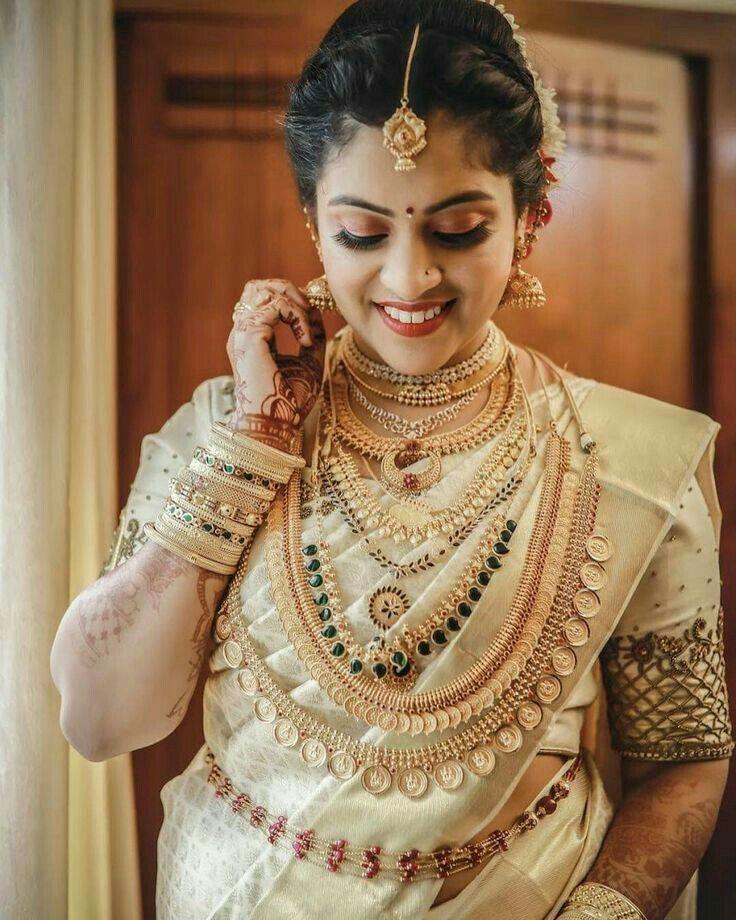 Friends Wedding Hairstyles Kerala: Pin By Manojmanoharan On Kerala Bride In 2019