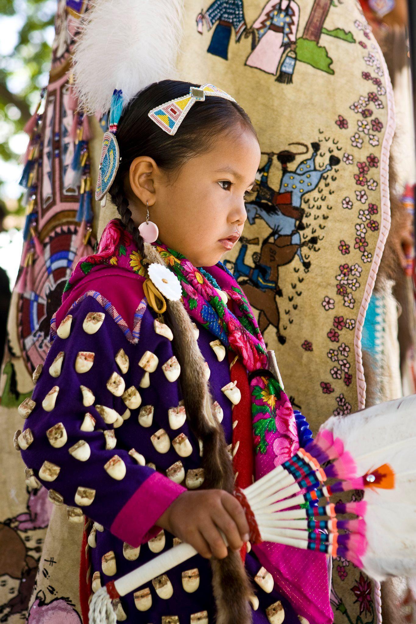 native american (photo: the Santa Fe Indian Market, http://www. santafeindianmarket.com)