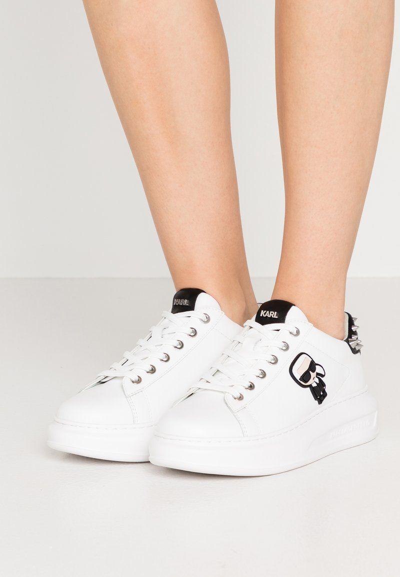 Karl Lagerfeld Kapri Ikonic Stud Tab Sneakersy Niskie White Black Zalando Pl Karl Lagerfeld Lagerfeld White Sneaker