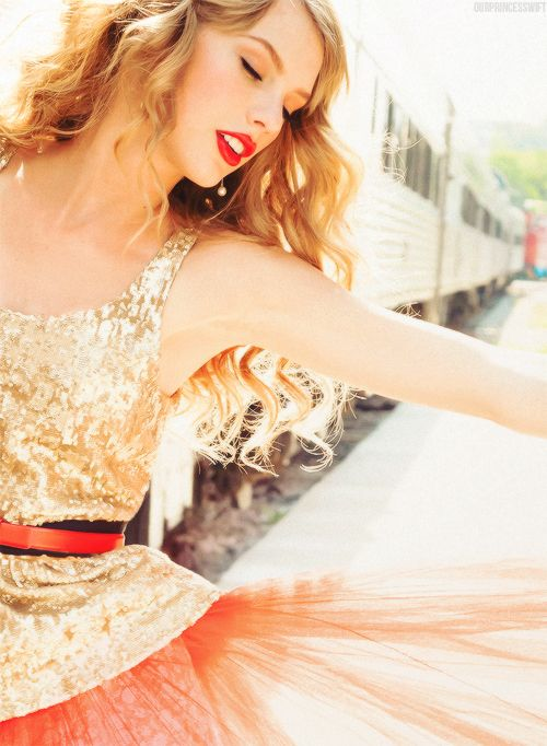 Taylor swift - Photographed by Ellen von Unwerth for Glamour November 2012