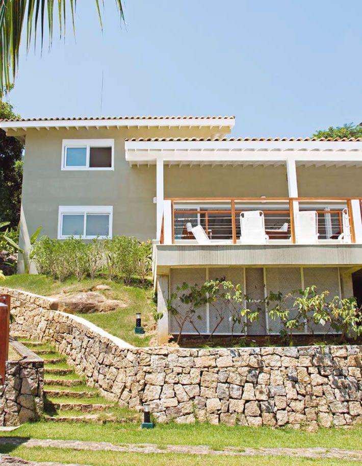 Terreno desnivelado home sweet home pinterest casas casa de campo y de campo - Construir casa de campo ...