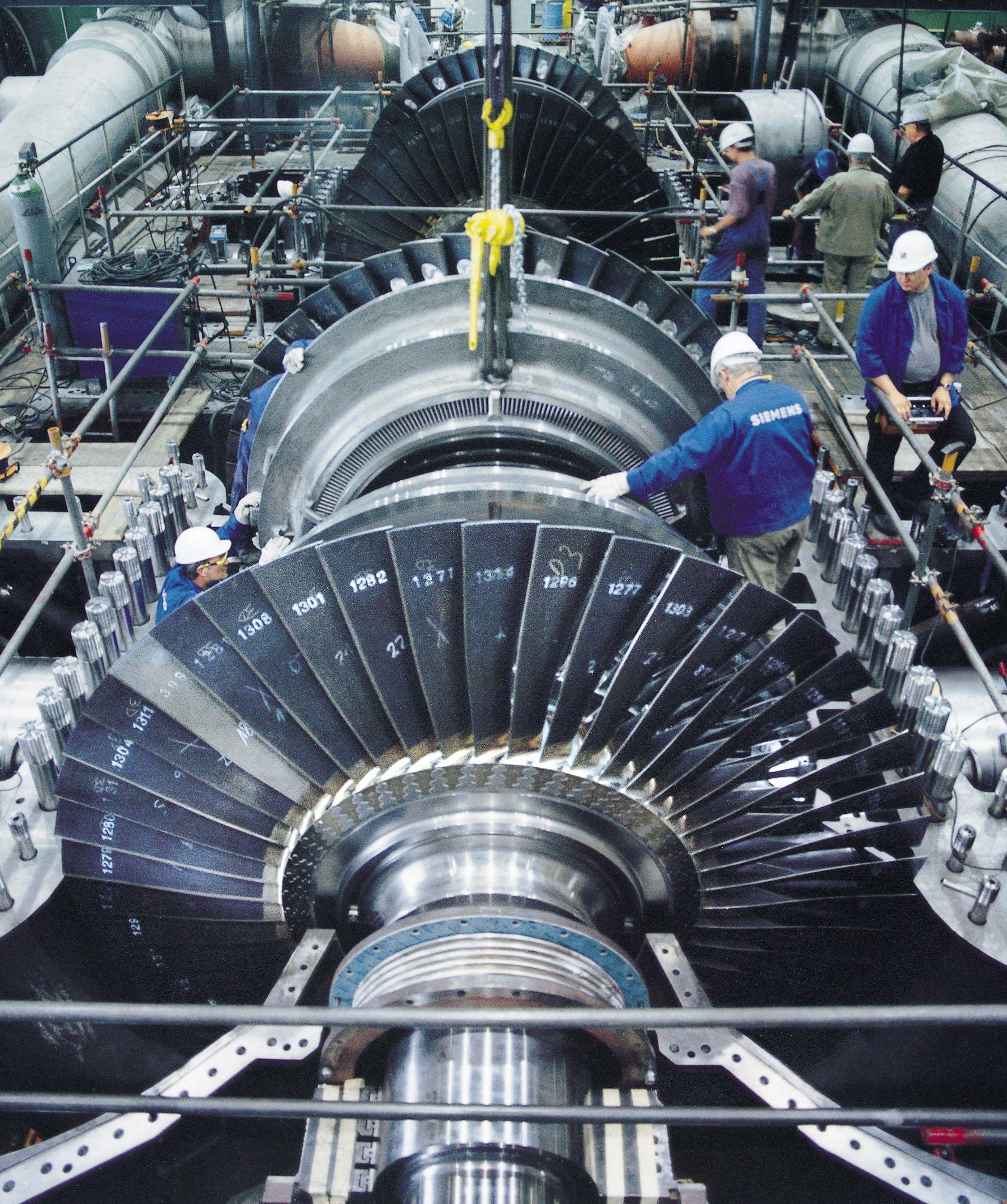 Steam turbine with the case opened Steam turbine, Gas