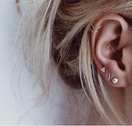 Goede Hot! Zo combineer je verschillende oorbellen in één oor NJ-92