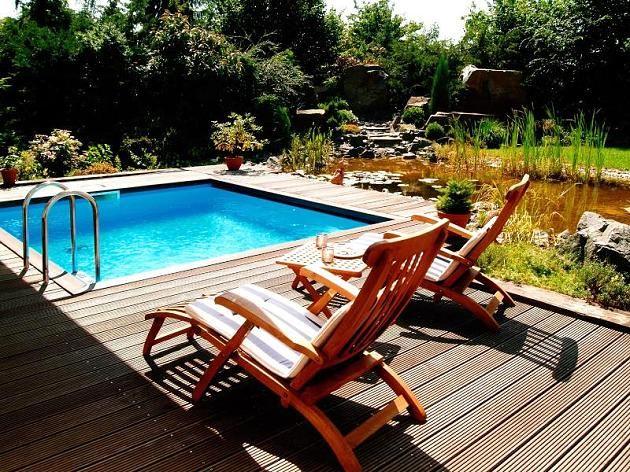 Ein Pool wird am besten in die direkte Sonne gebaut, damit diese das - whirlpool im garten selber bauen