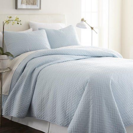 Noble Linens Premium Ultra Soft Herring Pattern Quilted Coverlet
