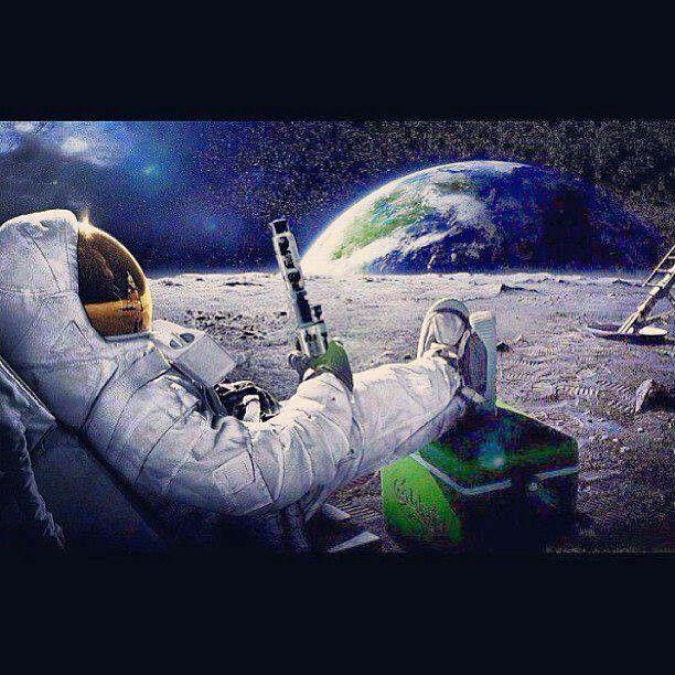 Bong On The Moon | Comikz, Comedy, ART | Pinterest