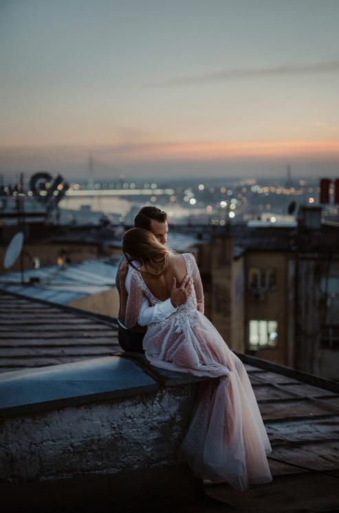 This intimate rooftop moment is pure romance | Katarina Sharon Macut Vasic of Danilo and Sharon
