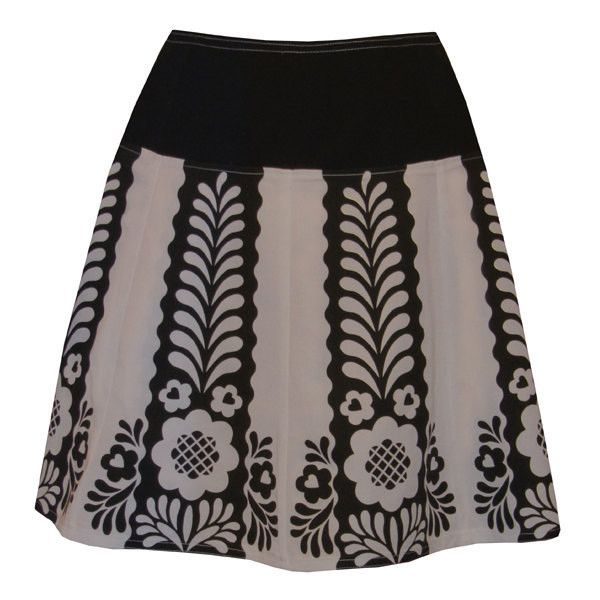 gretel skirt - grey & black - folkloric flower design ($68) ❤ liked on Polyvore featuring skirts, floral print skirt, floral circle skirt, flower print skirt, gray skater skirt and floral printed skirt