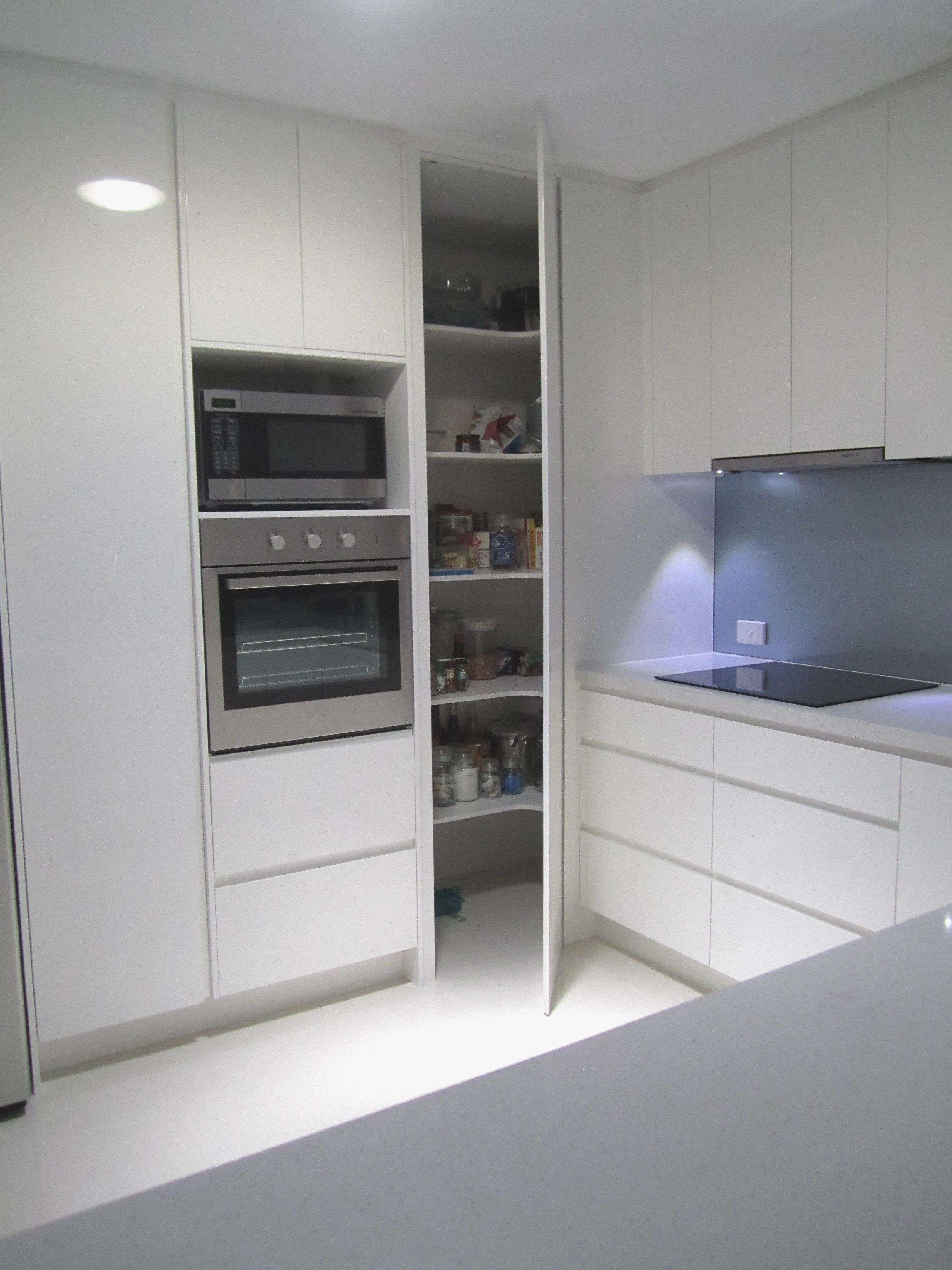 9 Creative Corner Kitchen Plans   Decor Around The World ...