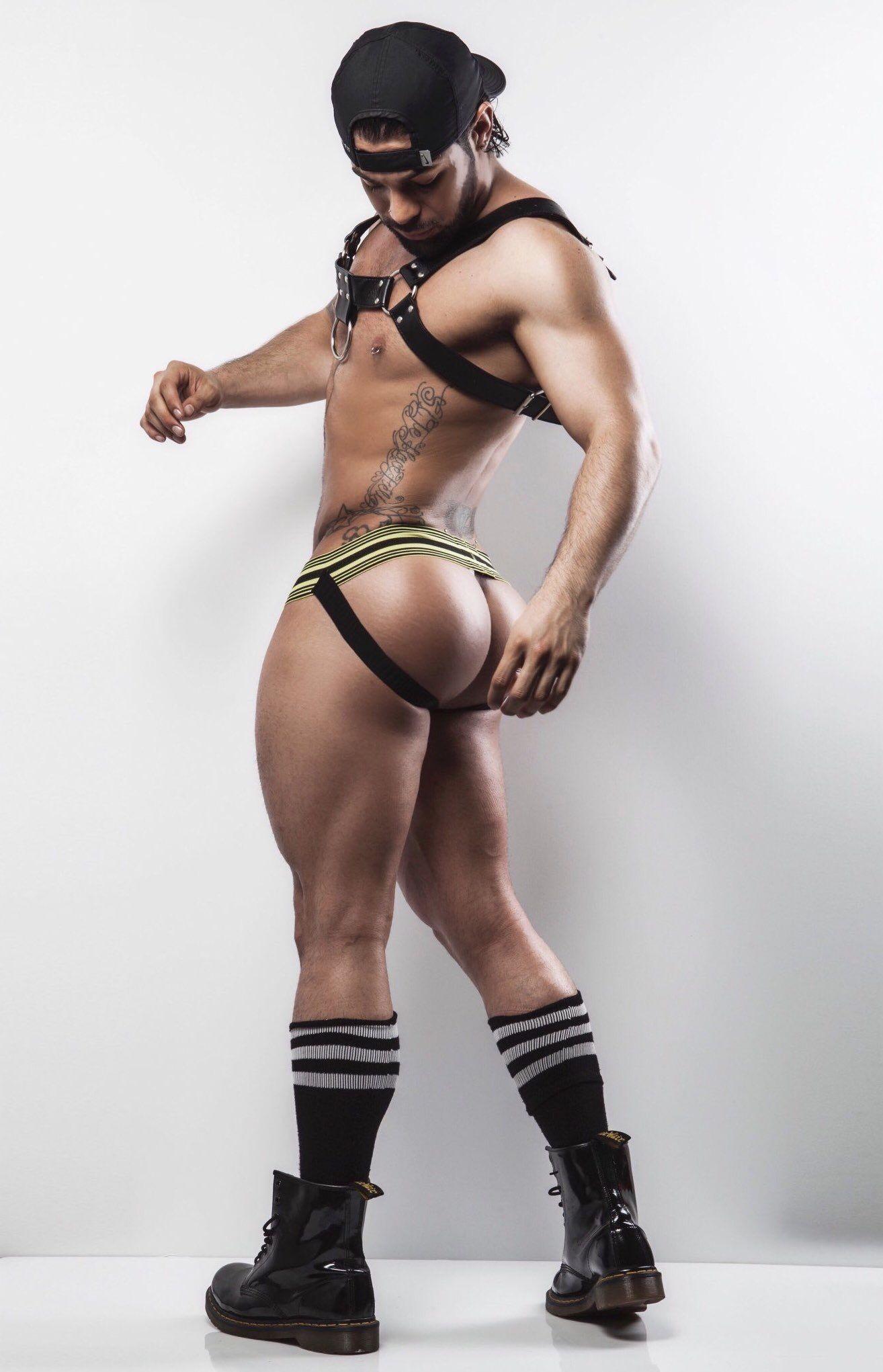 Nude girls squatting