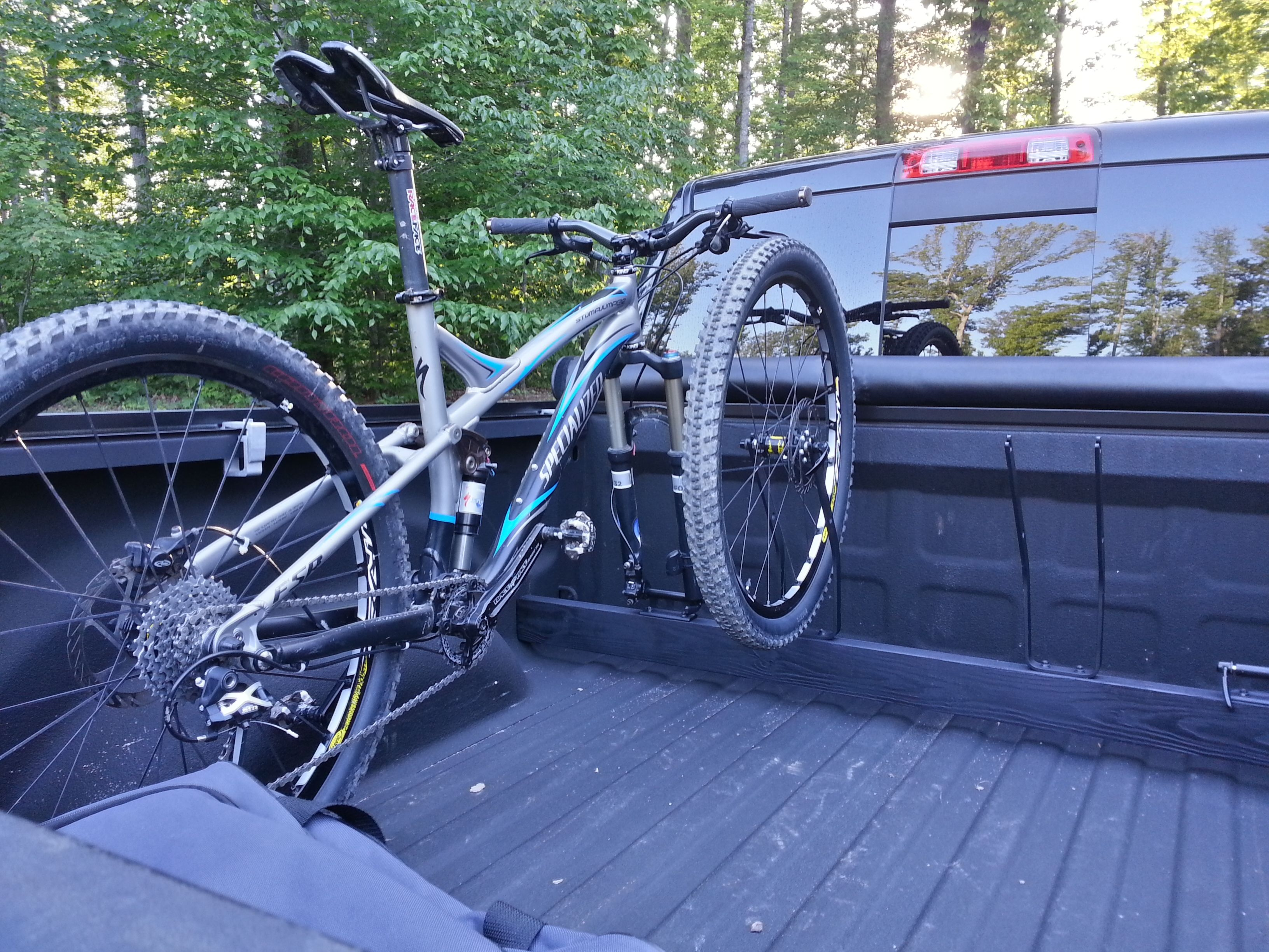 Best Way To Transport Bike In Truck Bed Probably A Stupid Question Mtb Truck Bed Bike Trucks