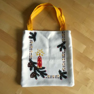 Weihnachtstasche aus Tischläufer / Christmas bag made from table runner (which obviously is the right word but sounds pretty awkward)