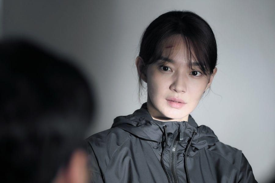 """Shin Min Ah Transforms Into A Diver Questioning Everything In Upcoming Mystery Thriller Film """"Diva"""""""