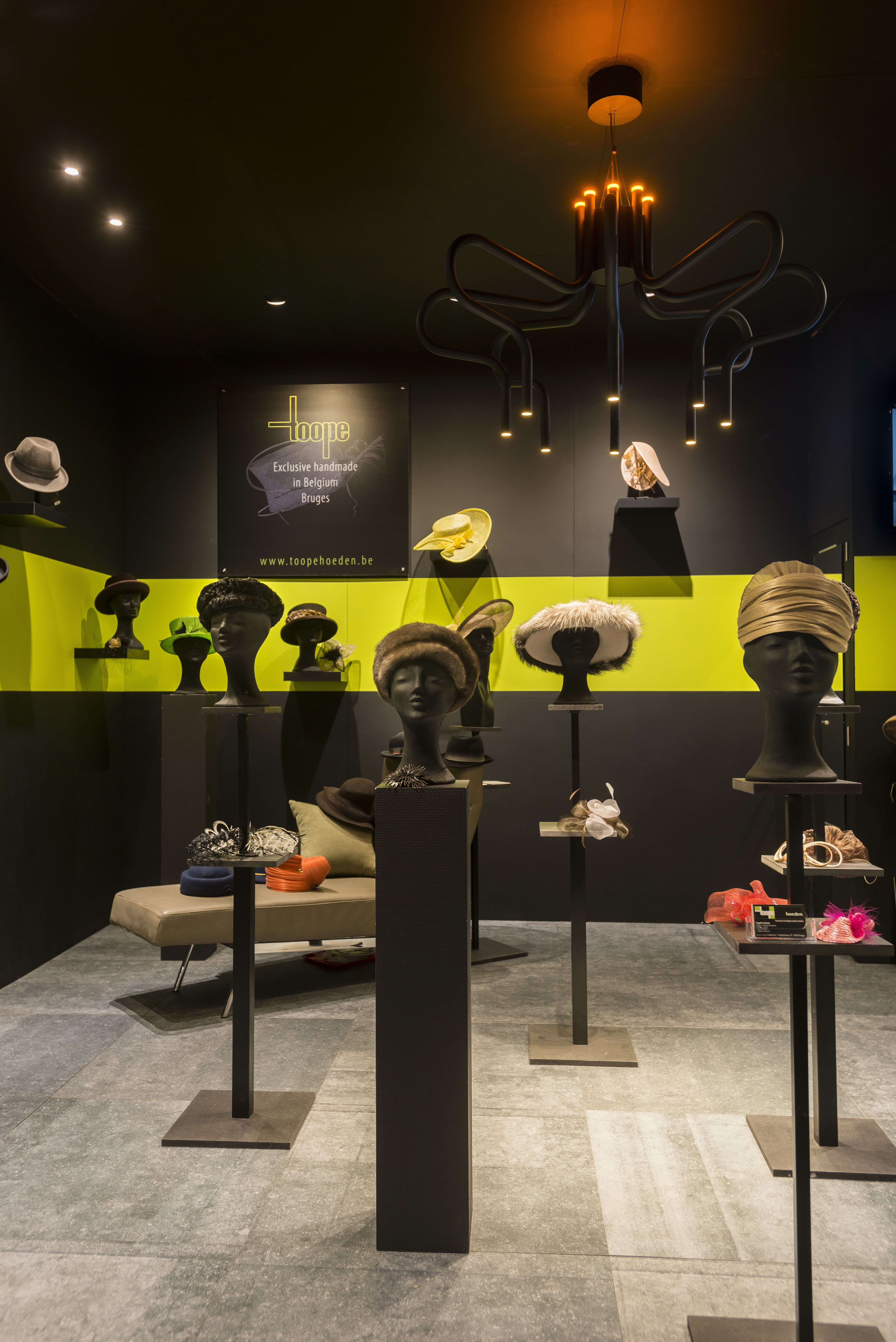 King george at classic event kortrijk toope hats lighting tal king george arubaitofo Gallery