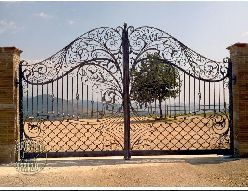 Cancelletto In Ferro Battuto : Cancello in ferro battuto forgiato e martellato realizzato